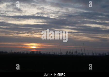 Sonnenaufgang Sonnenuntergang Abstand über dem Horizont - Stockfoto