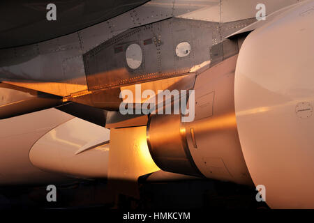 Pratt & Whitney PW4000 Motor-Auspuff Motor-Pylon Airbus A330-200F Prototyp geparkt im Static Display auf der Singapore - Stockfoto