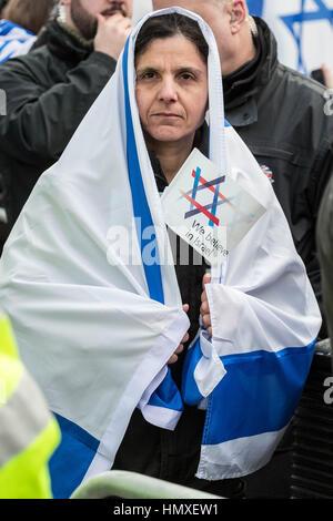 London, UK. 6. Februar 2017. Pro-israelischen Fans begrüßen die Premierminister von Israel Benjamin Netanyahu Besuch - Stockfoto