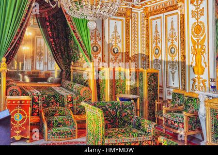 FONTAINEBLEAU, Frankreich - 9. Juli 2016: Fontainebleau Palast Interieur. Des Kaisers kleine Schlafgemach. Schloss - Stockfoto