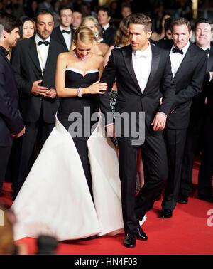 Blake Lively und Ryan Reynolds besuchen die Premiere für den Film Gefangene auf dem Cannes Film Festival am 16. - Stockfoto