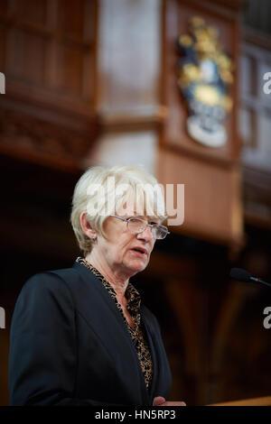 Porträt einer Rede Präsentation reden des Präsidenten und Vize-Kanzler Dame Nancy Rothwell der University of Manchester - Stockfoto
