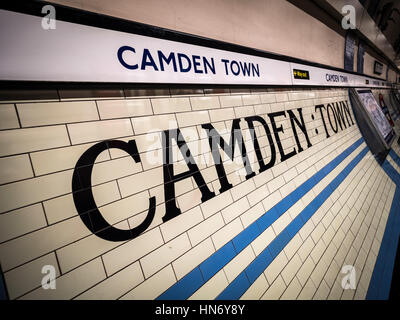 U-Bahn-Station Camden Town, London, UK. - Stockfoto