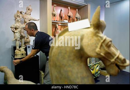 Empyrean-Shop (Antiquitäten). 70, Hollywood Road, Hongkong, China - Stockfoto