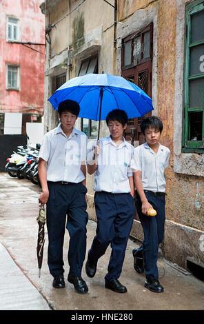 Studenten in der Nähe von Rua de Monte, Macau, China - Stockfoto