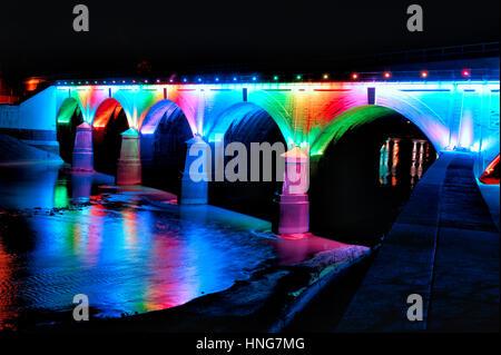 Led Licht Schoenen : Regenbogen brücke beleuchtet und glühende durch farbige led