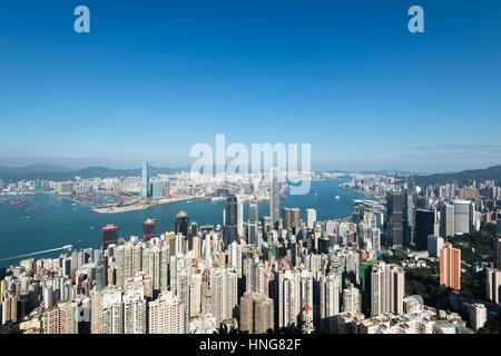 Hong Kong, Hong Kong SAR - 20. Januar 2017: Hong Kong Skyline-Blick vom Victoria Peak. - Stockfoto