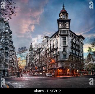 Buenos Aires, Argentinien. Luxus-Gebäude auf der Avenida de Mayo - Stockfoto