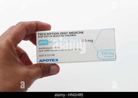 Nahaufnahme von APO-Roxithromycin anti-biotische auf weißen Hintergrund isoliert - Stockfoto