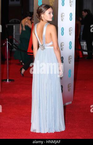 LONDON - 12. Februar 2017: Ella Purnell besucht die EE British Academy Film Awards (BAFTA) in der Royal Albert Hall - Stockfoto