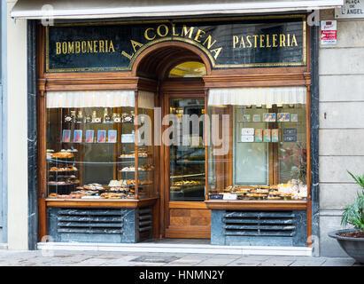 Traditionelle süßes und Gebäck-Shop (Bomboneria Pasteleria) La Colmena in Plaça del Ángel, Barcelona, Katalonien, - Stockfoto