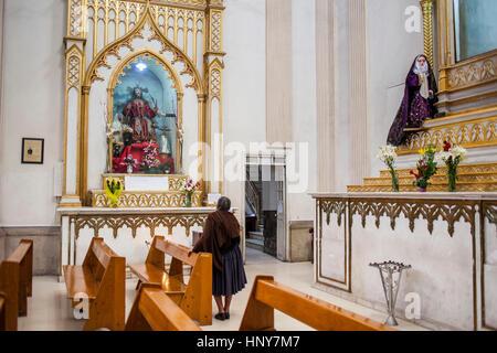 Beten, Kathedrale, Cochabamba, Bolivien - Stockfoto