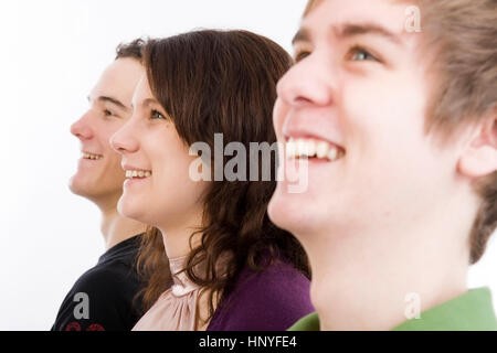 Model Release, Drei Jugendliche Im Profil - drei Teenager im Profil - Stockfoto