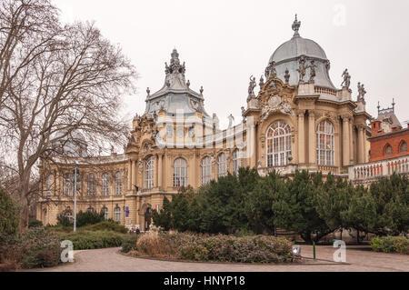 Das äußere des Landwirtschaftsmuseum in Budapest, Ungarn - Stockfoto
