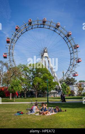 Riesenrad im Prater, Vergnügungspark, Wien, Austria, Europe - Stockfoto