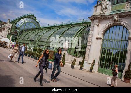Palmenhaus, erbaute kaiserliche Gewächshaus 1906 vom Architekten Friedrich Ohman, Burggarten, Hofburg Palast, Wien, - Stockfoto