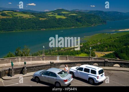 Scenic Overlook in Crown Point über den Historic Columbia River Highway in Multnomah County, Oregon, USA. - Stockfoto