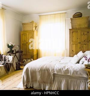 Eine rustikale Schlafzimmer. - Stockfoto