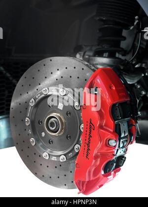 Nahaufnahme von Lamborghini Sportwagen front-Keramik-Bremsen, eine Scheibe und einem Bremssattel - Stockfoto