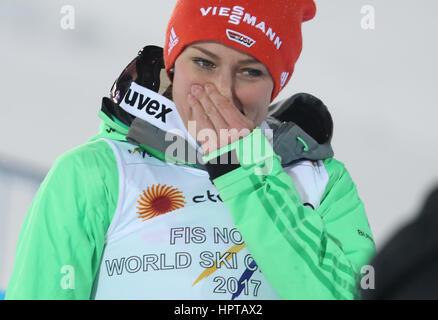 Lahti, Finnland. 24. Februar 2017. Deutsche Weltmeister Carina Vogt feiert bei den Nordischen Weltmeisterschaften - Stockfoto