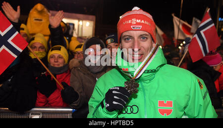 Lahti, Finnland. 24. Februar 2017. Drittplatzierte deutsche Athletin Björn Kircheisen mit seiner Bronzemedaille - Stockfoto