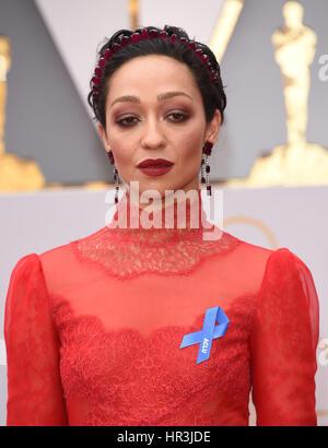 Hollywood, Kalifornien, USA. 26. Februar 2017. RUTH NEGGA beim roten Teppich Ankünfte für die 89. Oscar-Verleihung. - Stockfoto