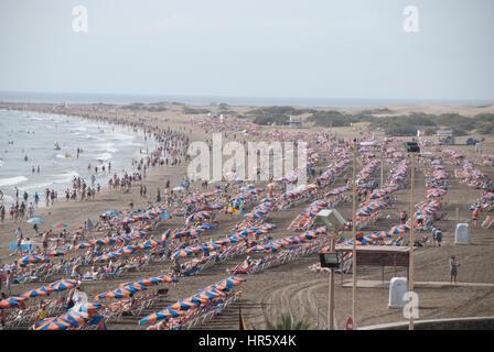 Der Strand von Playa De Ingles, Gran Kanaren. - Stockfoto