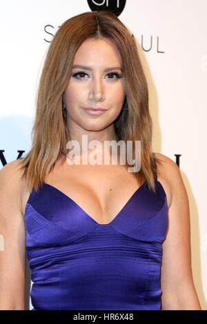 Ashley Tisdale im Ankunftsbereich für 2017 Elton John AIDS Foundation Academy Awards Viewing Party, West Hollywood - Stockfoto
