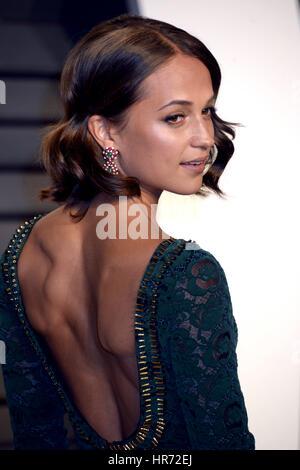 Beverly Hills, Kalifornien. 26. Februar 2017. Alicia Vikander besucht die 2017 Vanity Fair Oscar Party hosted by - Stockfoto