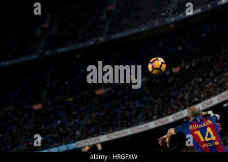 Lager nicht Stadion, Barcelona, Spanien. 1. März 2017. Wurf der Macherano im Camp Nou, Barcelona, Spanien. Bildnachweis: - Stockfoto