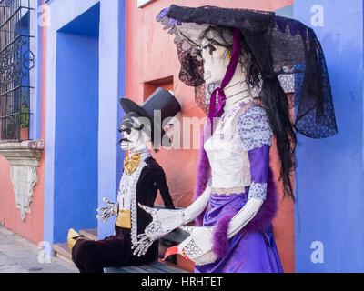 Dekorationen für den Tag der Toten (Dia de Los Muertos), Oaxaca, Mexiko, Nordamerika - Stockfoto