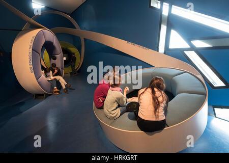 Interaktive video-Display im jüdischen Museum in Berlin, Deutschland. - Stockfoto