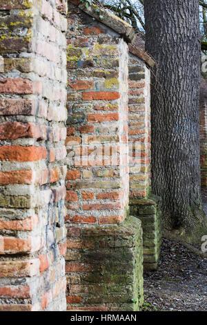 Detail der historischen Stadtmauer von Augsburg (Bayern, Deutschland) - Stockfoto