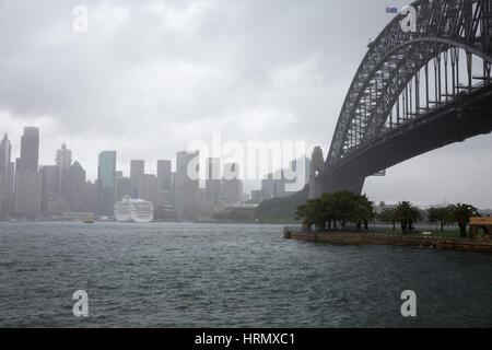 Sydney, Australien. 3. März 2017. Eine Woche nach starken Regenfällen und Gewittern in Sydney und Teile von New South Wales fortsetzt, Sturzfluten in Teilen des Staates am kommenden Wochenende dürfte. Bildnachweis: Martin Beere/Alamy Live News