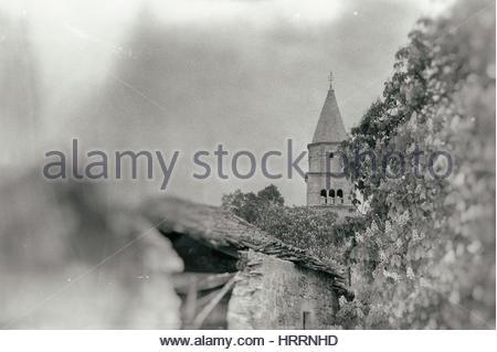 Schwarz ein weiße Vintage Bild des Dorfes Gracisce in Istrien, Kroatien - Stockfoto