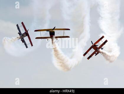 Peking, Melbourne, China. 3. März 2017. Drei Flugzeuge durchführen während der Australian International Aerospace - Stockfoto