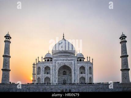 Sonnenuntergang über Taj Mahal - Agra, Indien - Stockfoto