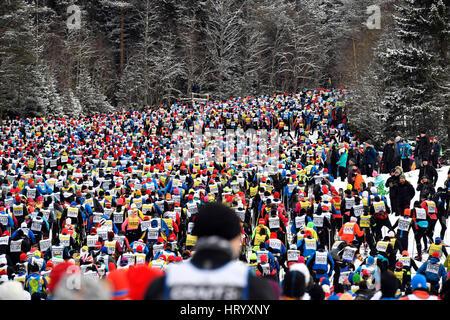 Stockholm. 6. März 2017. Die lange Strecke Langlauf Ski Wettbewerb Vasloppet in der Region Dalarna Mittelschweden, - Stockfoto