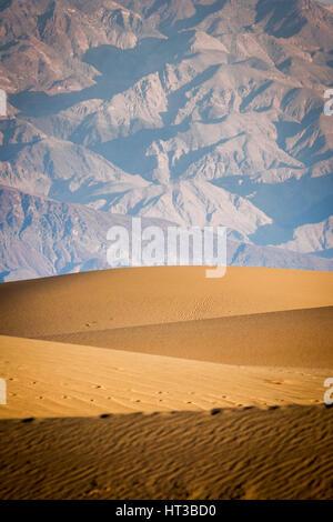 Mesquite flachen Dünen, Death Valley Nationalpark, Kalifornien, USA - Stockfoto