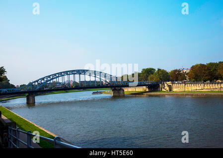 Straßenbrücke über die Weichsel in Krakau Polen - Stockfoto