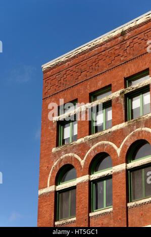 Fassade des ein viktorianischen roten Backsteingebäude im historischen Pioneer Square Viertel von Seattle, Washington, - Stockfoto