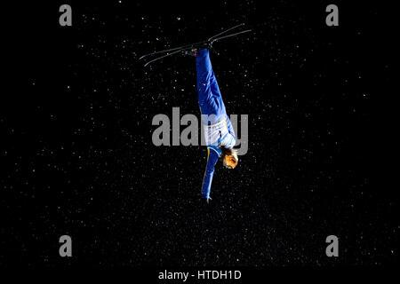 Sierra Nevada, Spanien. 10. März 2017. Mengtao Xu (China) im Finale des Damen Antennen von FIS Freestyleski Weltmeisterschaften - Stockfoto