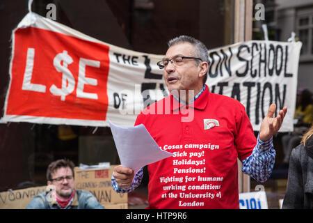 London, UK. 16. März 2017. Ein Mitglied der 3 Cosas Kampagne, die gleichen Bedingungen für Universitätsangehörige - Stockfoto