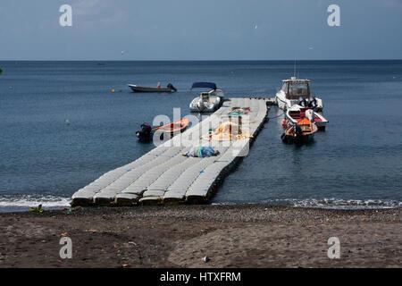 Martinique, Martinique, Le Carbet, Badeort und Fischerhafen, Ostküste in der Nähe von St-Pierre, - Stockfoto