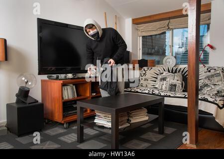 Stehle Wohnzimmer einbrecher rauben ein haus einbrecher stehlen sachen in einem
