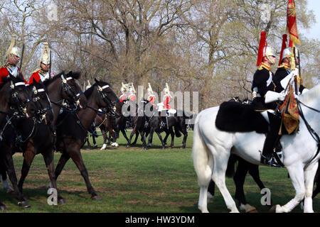 London, UK. 16. März 2017. Mitglieder der HM Household Cavalry parade für den Generalmajor Beitrag im Hyde Park, - Stockfoto