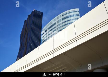 Moderne Stadtarchitektur der Vienna in der UNO City Komplex, Österreich. - Stockfoto