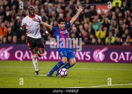 Barcelona, Katalonien, Spanien. 19. März 2017. FC Barcelona nach vorne SUAREZ gefoult wird während der LaLiga Spiel - Stockfoto