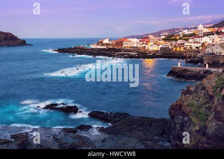 Garachico Panorama bei Sonnenuntergang. Garachico, Teneriffa, Kanarische Inseln, Spanien. - Stockfoto