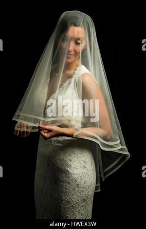 Porträt eines Mädchens im Bild der Braut - Stockfoto